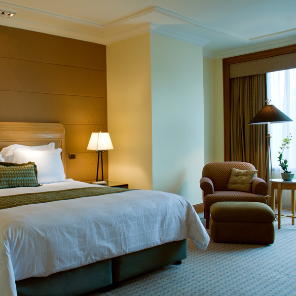 canstockphoto4145927-Hotel.png
